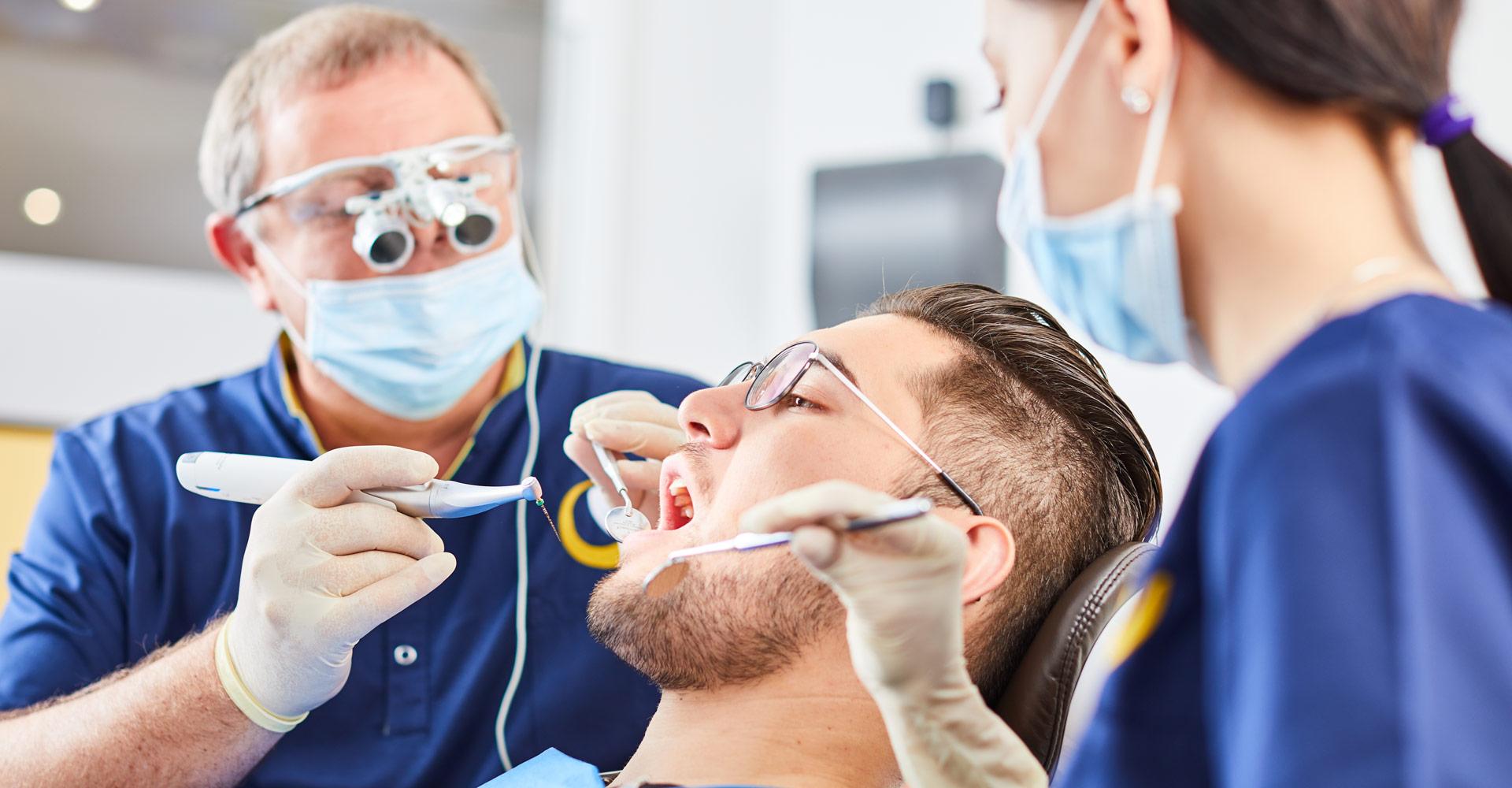 Zahnarztpraxis Dres. Braunschweiger & Gebauer - Wurzelbehandlung 1