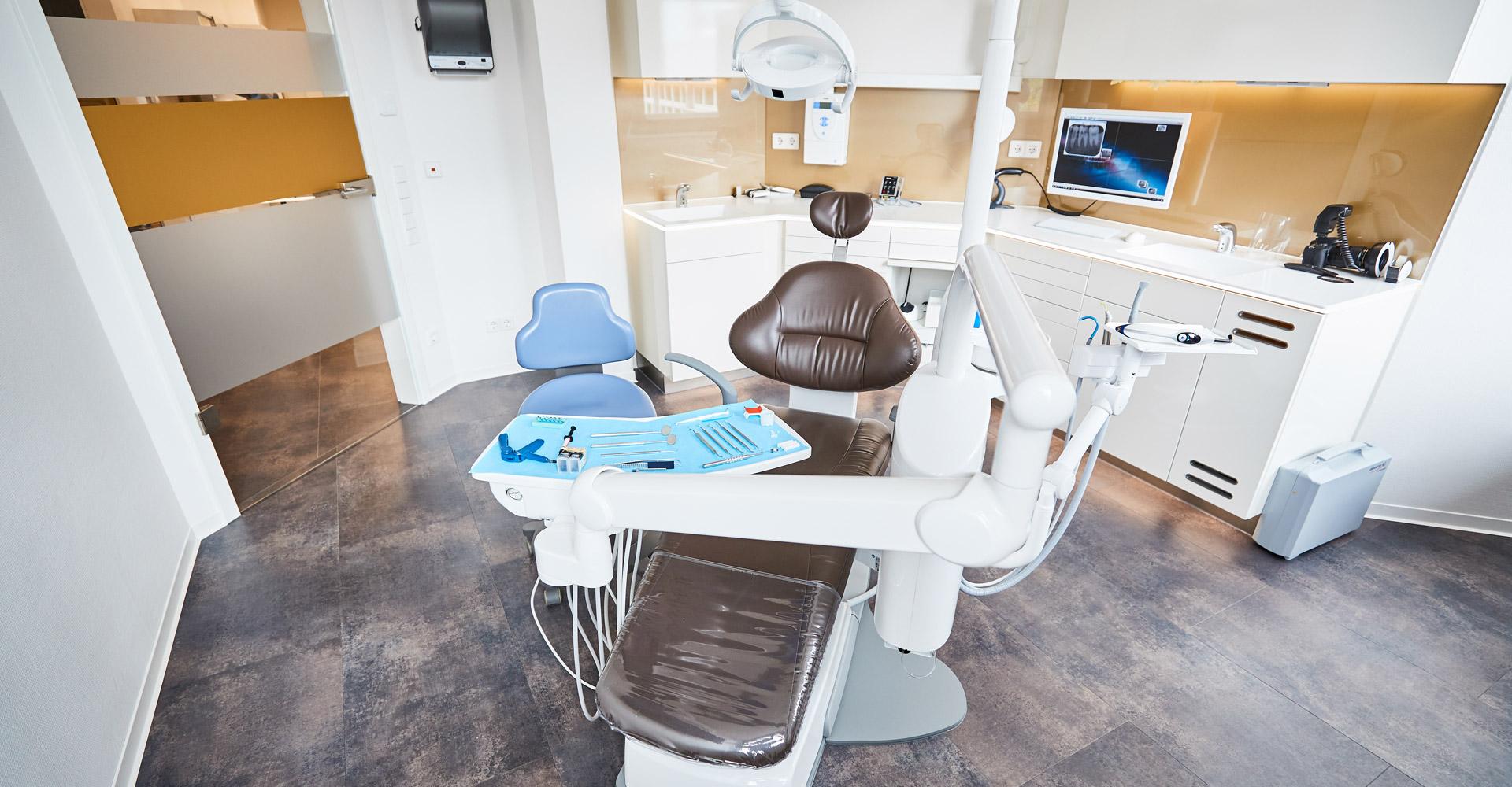 Zahnarztpraxis Dres. Braunschweiger & Gebauer - Alterszahnheilkunde 1